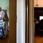 Mariza i el seu home, Juli, comparteixen i s'organitzen tot i portar vides molt diferents.